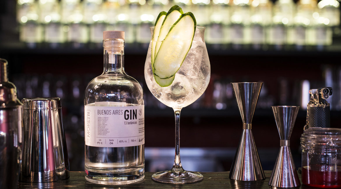 Gin tonic buenos aires gin moretti